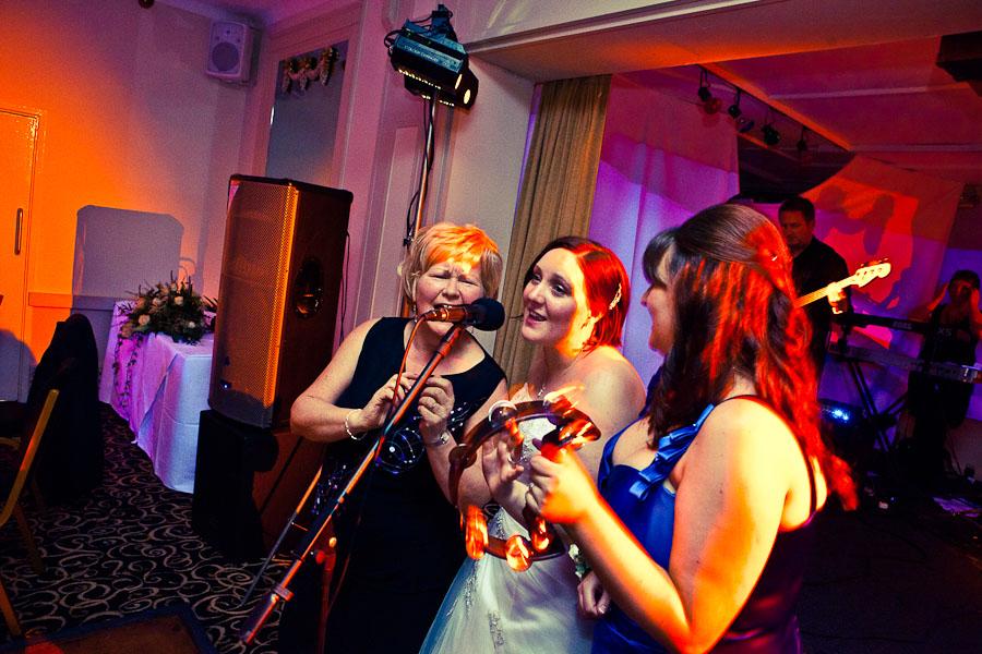 julie_jamie_wedding_sneakblog_030