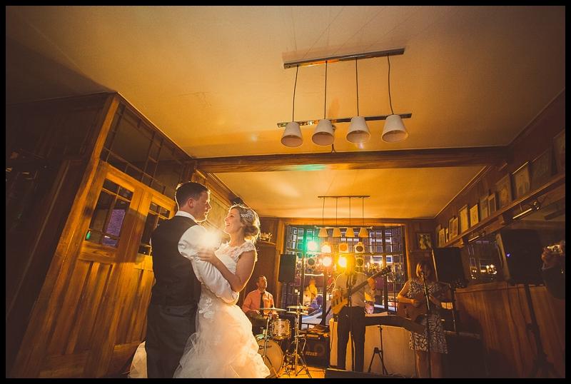 caroline_darren_wedding_sneakpeek_054
